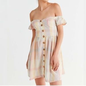 Urban Outfitters Amelie off shoulder linen dress